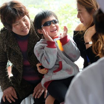 Shunwen from China is treated for Glaucoma