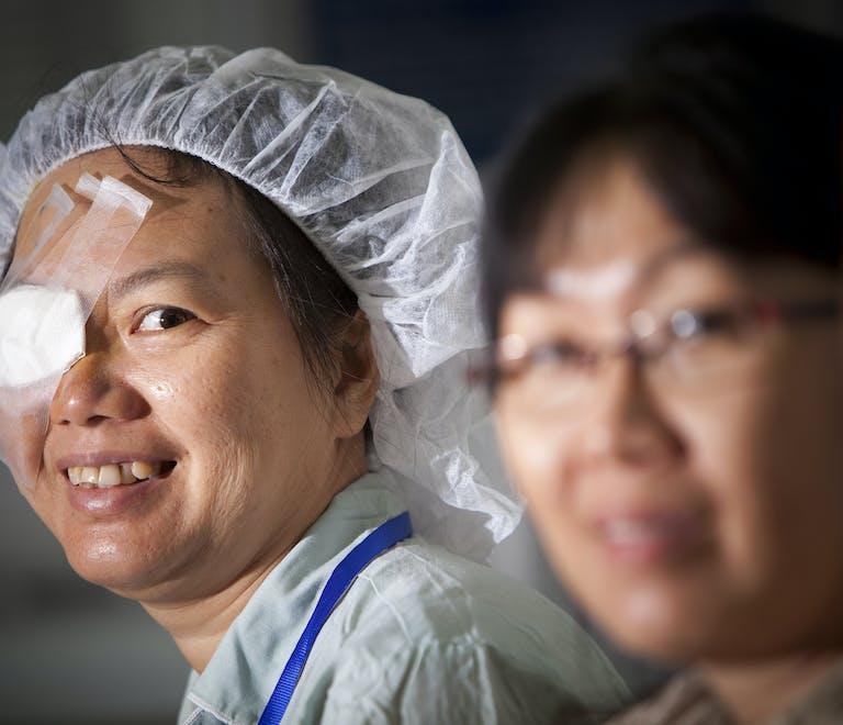 Vietnamese patient Huong Le Thi Thanh post retinal surgery