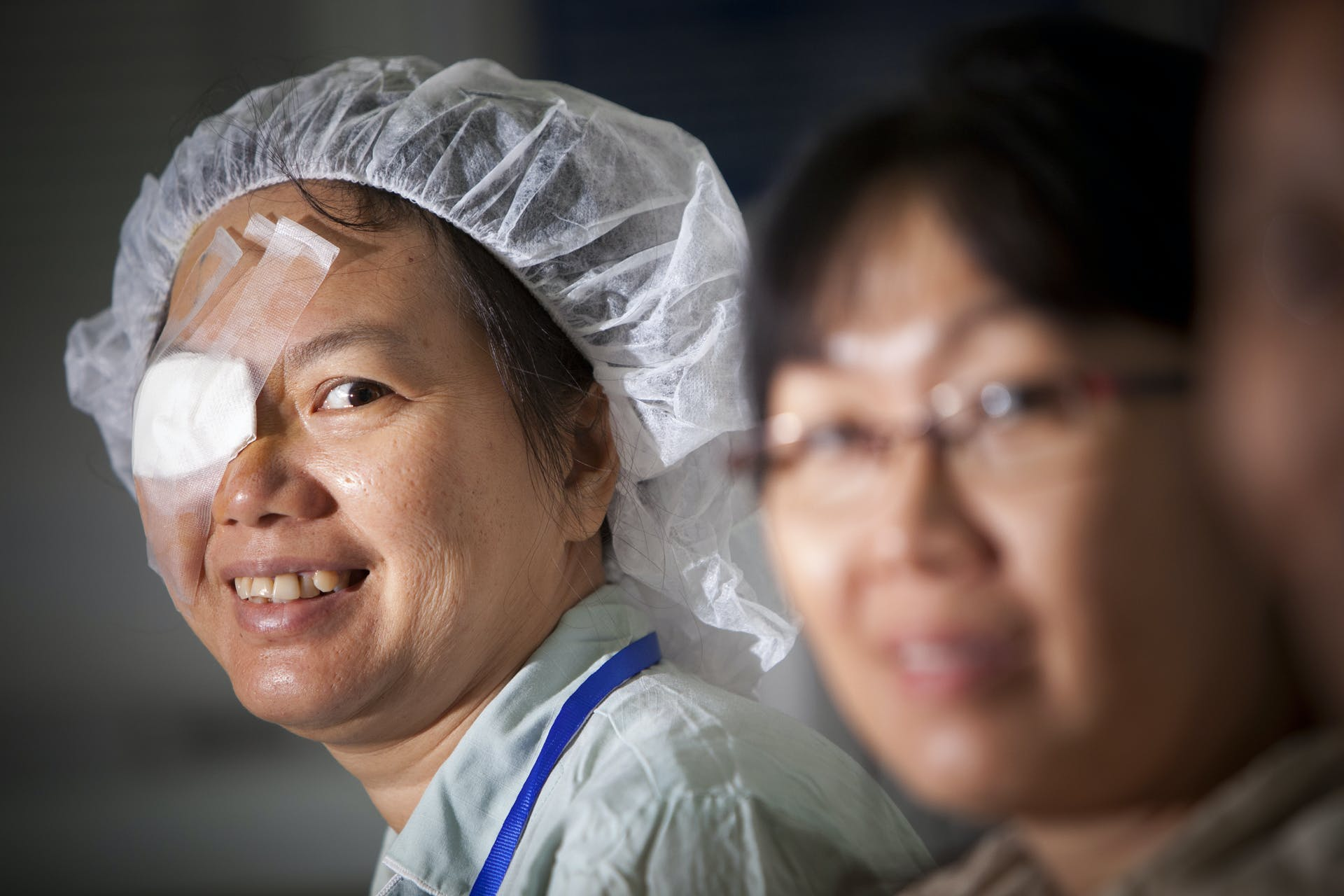 Vietnamese patient Huong Le Thi Thanh post retinal surgery
