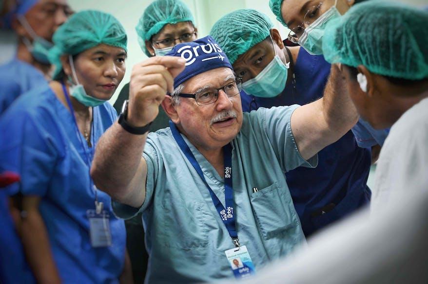 Orbis volunteer Dr. Monte Del Monte training doctors on our project in Mandalay, Myanmar 2019.