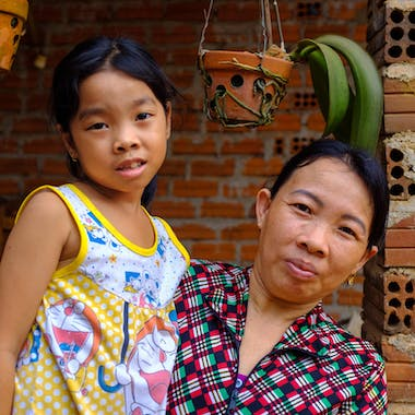 Vietnam 2018 C Louis Leeson Binh Dinh Phoung F 8Yrs Strabismus At Home With Mother02