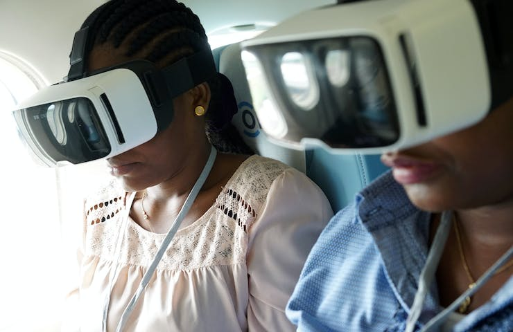 Virtual reality on the flying eye hospital.
